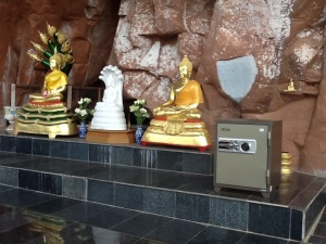 Buddha and a safe, not really sure what is going on here